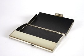 business-card-holder-686723__180